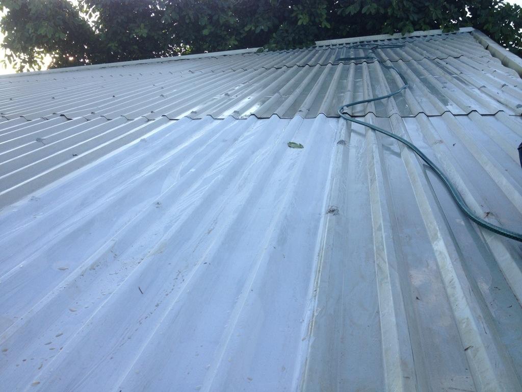 White paint roof cooling experiment